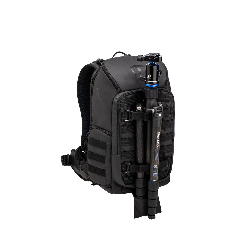 Axis 20L Backpack - Black