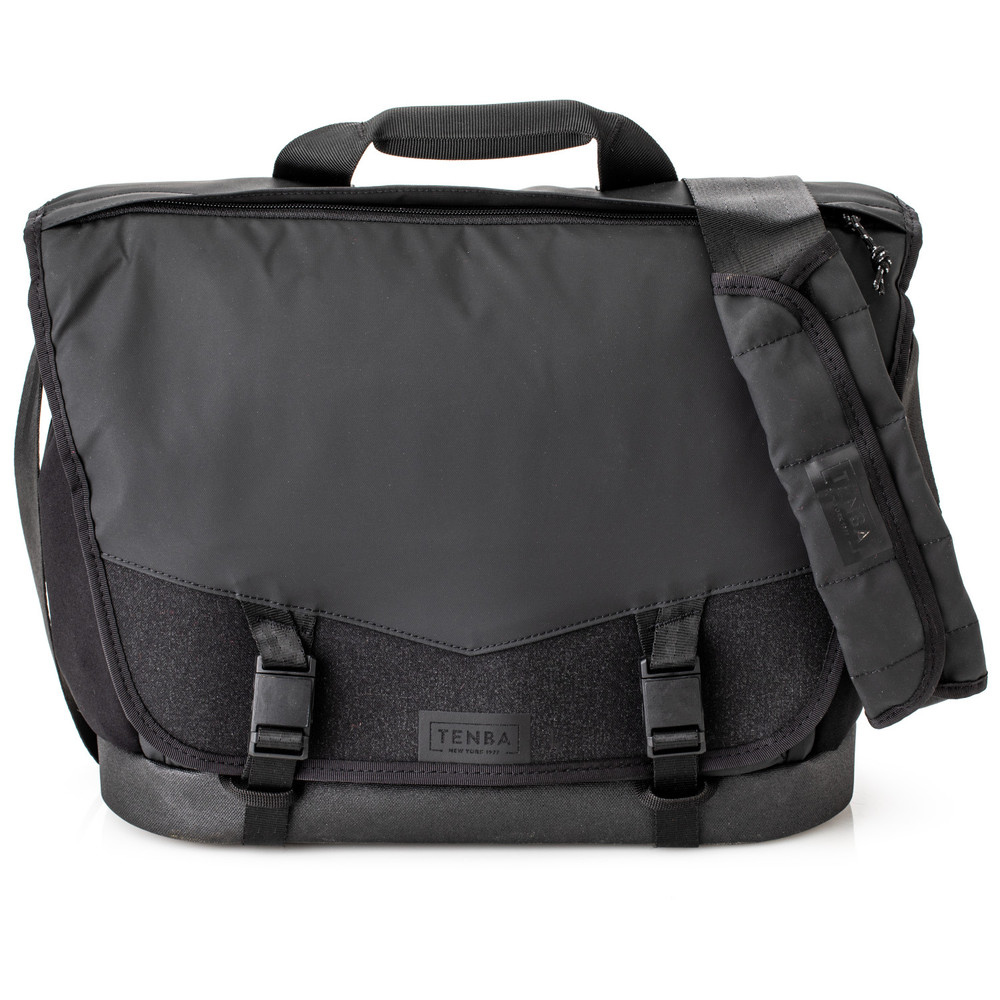 DNA 13 Messenger Bag  Black