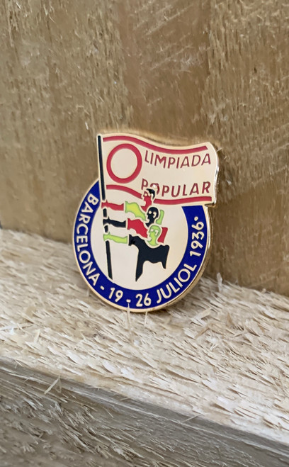 Olimpiada Popular (People's Olympiad) reproduction badge