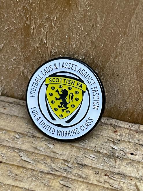 Alba Scotland Football Lads & Lasses enamel badge