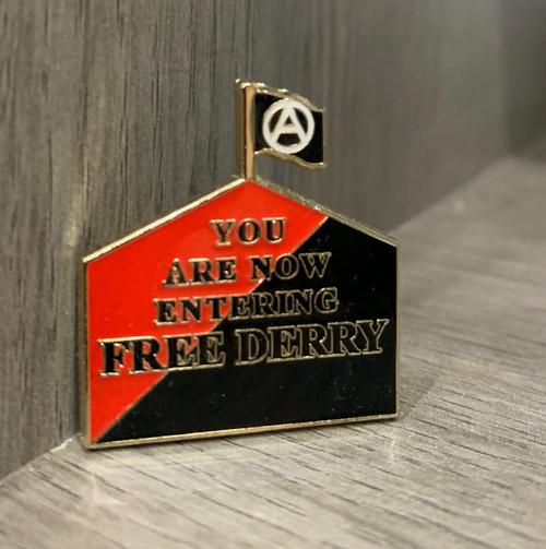 FREE DERRY Anarcho-Syndicalist flag enamel badge 30 mm x 27.4 mm