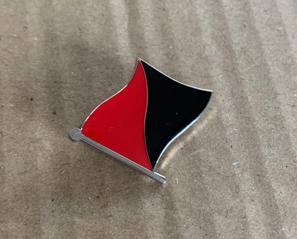 Anarcho-Syndicalist / Anarcho-Communist (Ancom) Flag enamel badge