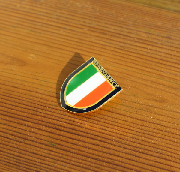 Resistance Irish Republican enamel badge