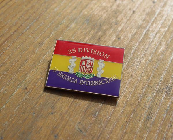 35 DIVISION 15 BRIGADA INTERNACIONAL BADGE/PIN