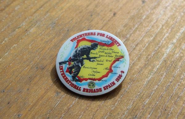 Volunteers for liberty enamel badge
