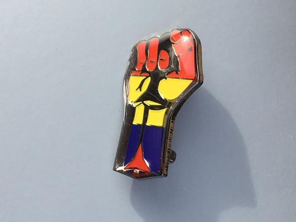 International Brigade fist enamel badge size 26 mm