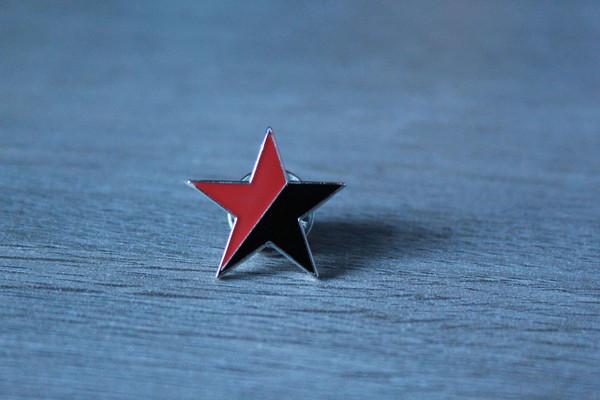 Black and Red Star (Anarcho-Syndicalist / Communist) enamel badge