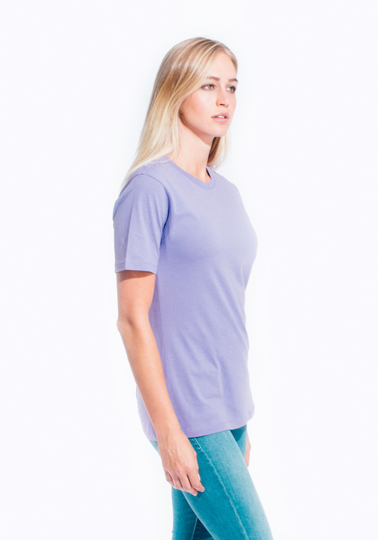 Ultra soft hand, side-seamed, tightly knit, superior printability. 34 single, 3.7 oz., soft-washed, 100% combed ring-spun cotton, except Athletic Heather (85%/15% cotton/viscose) and all otherHeathers (60%/40% cotton/polyester).