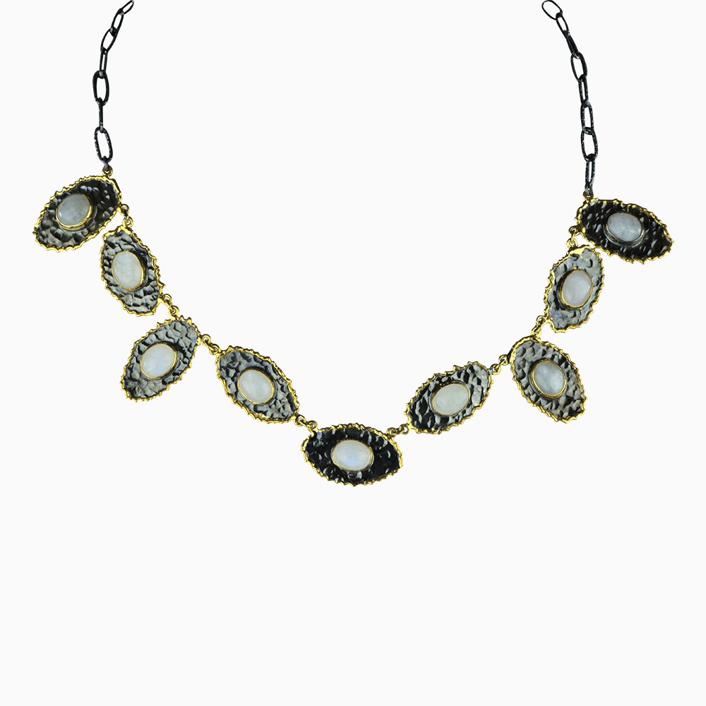 Chain of Oysters Necklace - White