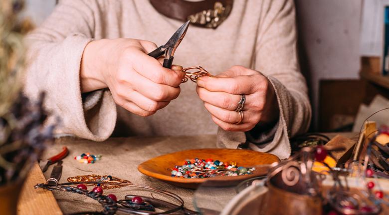 Why Handmade Fashion Jewelery Is Worth Every Penny