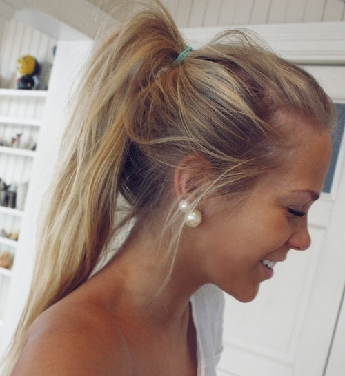Girls Messy Ponytail for Sports