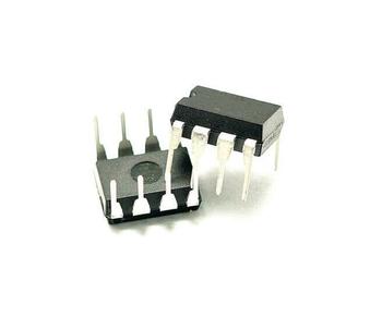 AT24C32A  DIP8 memory IC