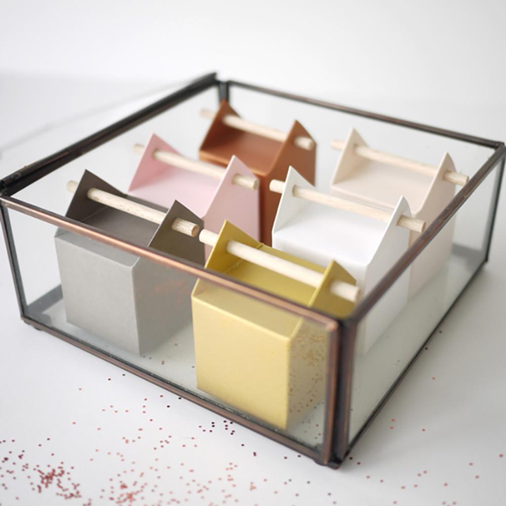 Une jolie présentation très déco de nos boîtes à dragées tourillon