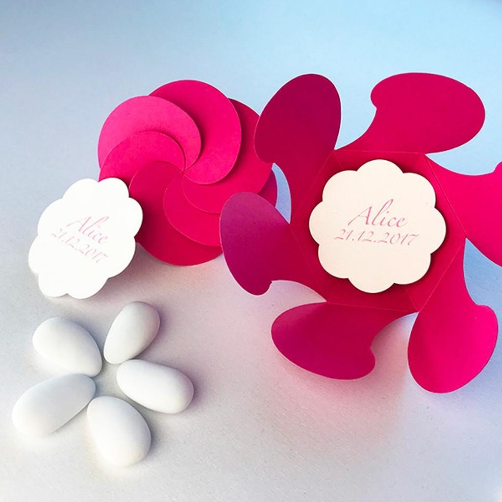 Etiquette Fleur personnalisée pour boite à dragées fleur