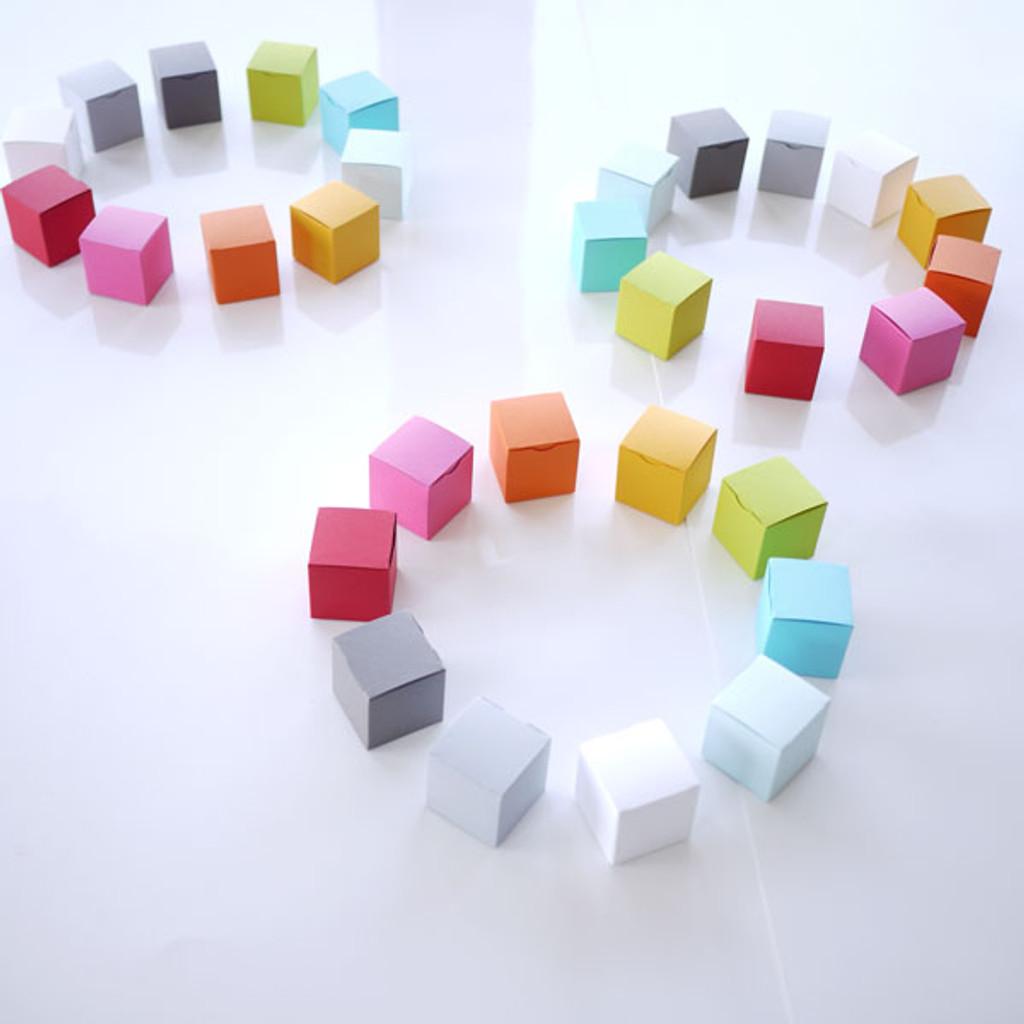 Contenants à dragées cubes