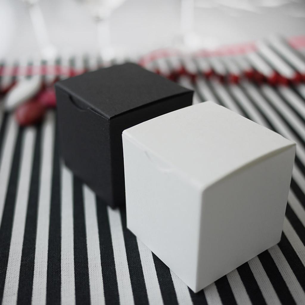 Cubes pour damier noir et blanc