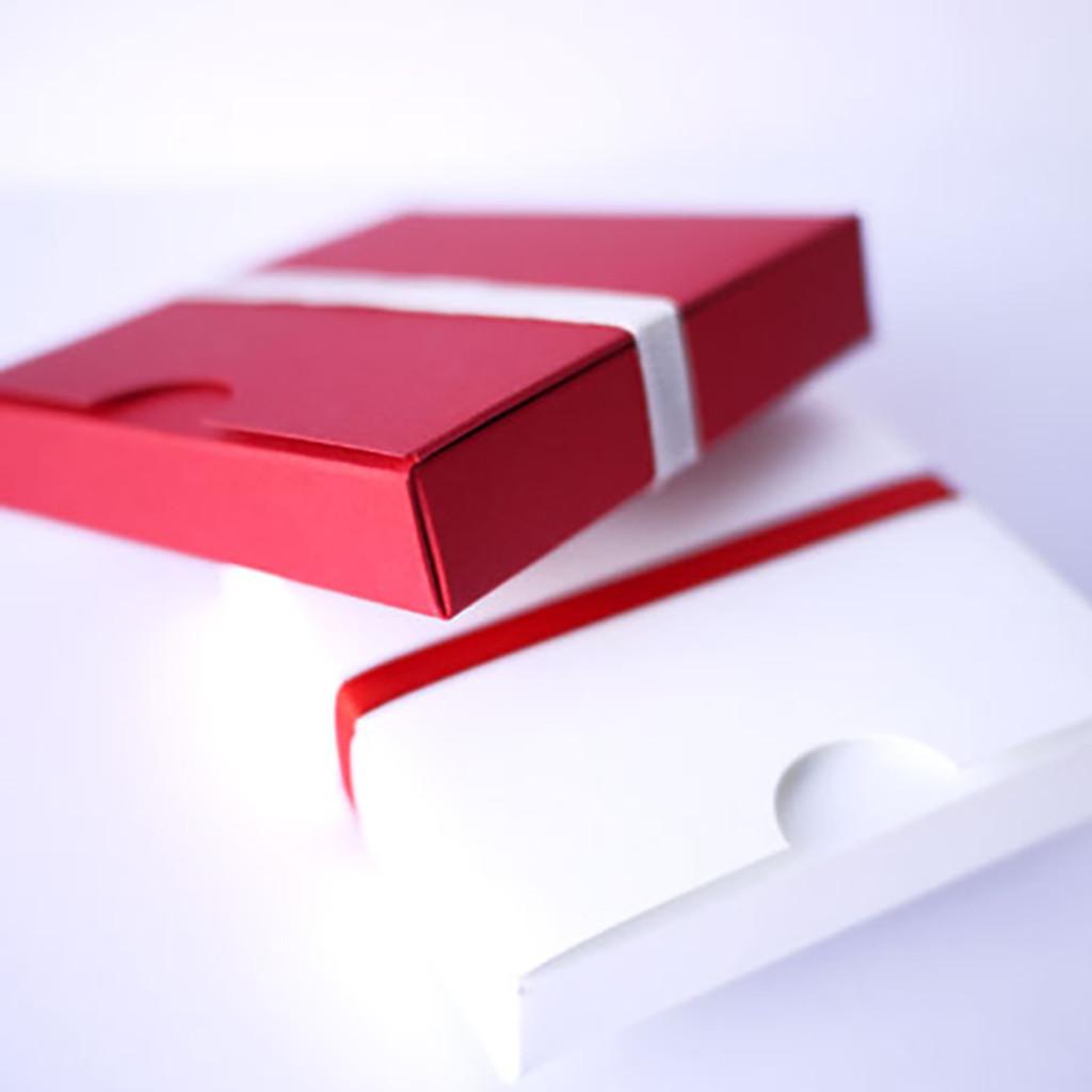 Contenant à dragées carré japonais rouge