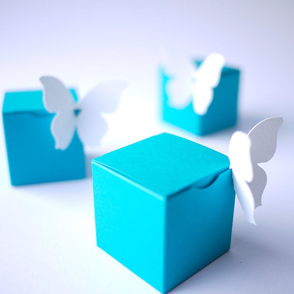 Boite à dragées cube bleu turquoise