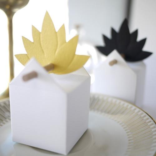 Etiquette Fleur de Lotus. Pour contenant à dragées. Inspiration Japon.