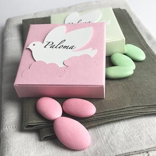 Boites à dragées Carré couleurs rose pâle et vert tilleul à la colombe personnalisée