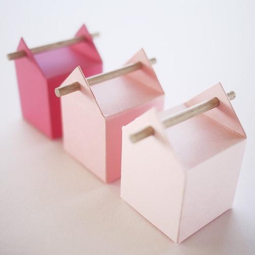 3 contenants à dragées en dégradé rose