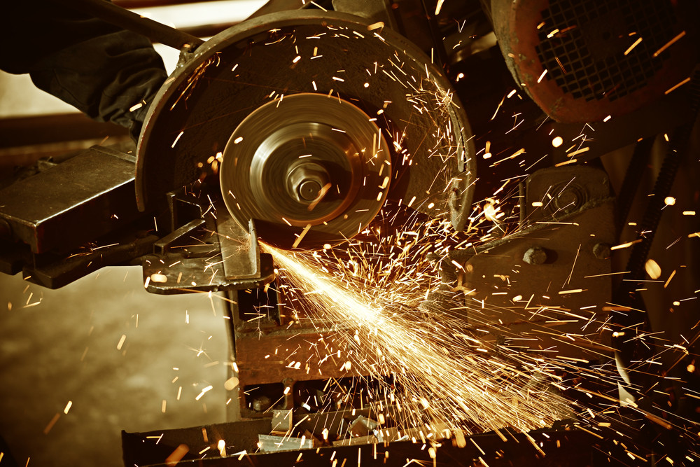 How to Choose the Right Cutting Fluid for Your Machining Processes