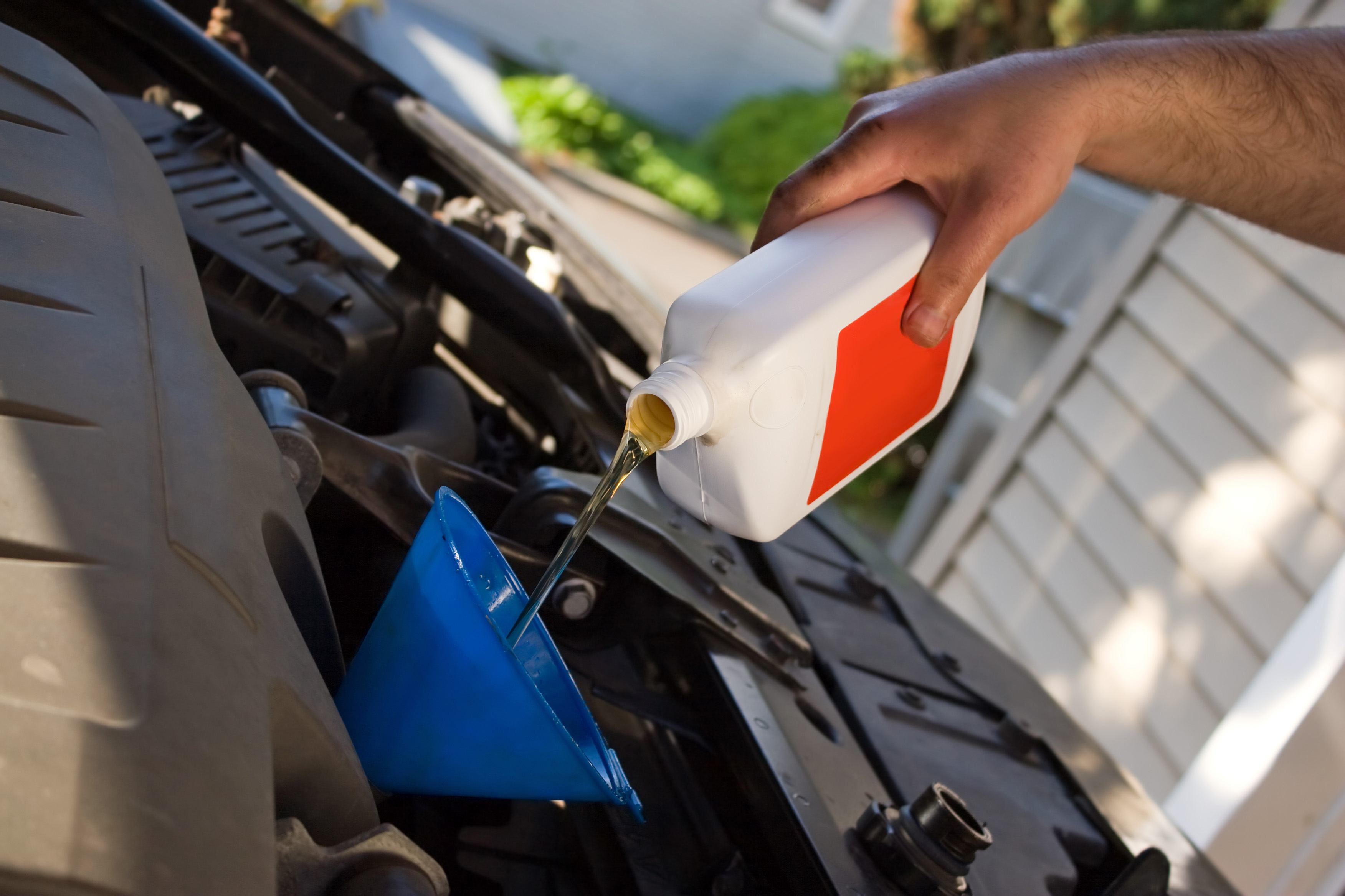 5 Top Benefits of Using Synthetic Oil
