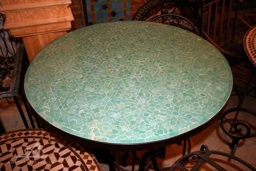 MEDIUM GREEN ANKABOUTI ROUND TABLE