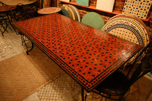 RECTANGLE RED STARS TABLE
