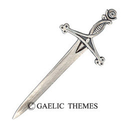 Interlaced Claymore