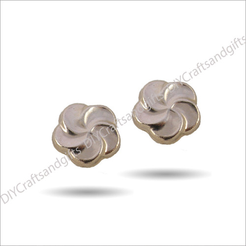9ct Yellow & Rose Gold Earrings 5.5mm round flower earrings with Rose Gold centres