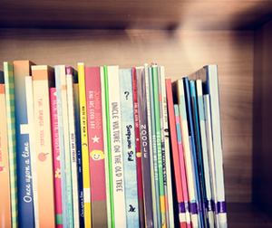 Ways to use Teacher's tape<sup>®</sup>: Keep books in place