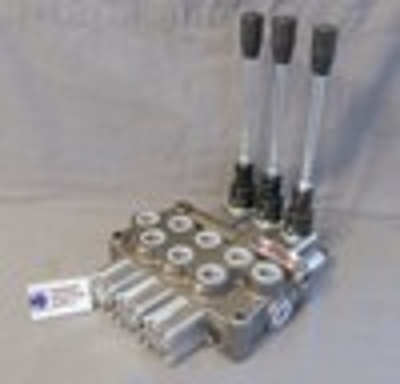 Hydraulic directional control valve 3 spool 12 GPM Tandem spools with spring center