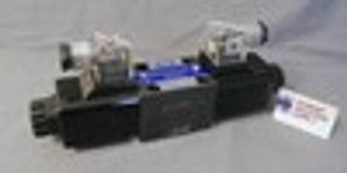 (Qty of 1) Parker D3W1CNJP or D3W1CVJP interchange D05 hydraulic solenoid valve