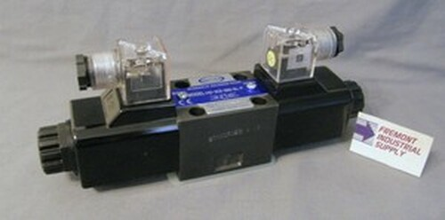 (Qty of 1) Power Valve USA HD-3C2-G03-DL-B-AC220 D05 hydraulic solenoid valve 4 way 3 position, ALL PORTS BLOCKED  240/60 volt AC  Power Valve USA