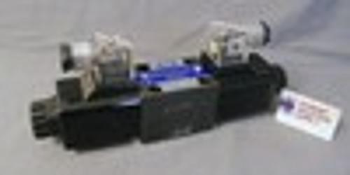 (Qty of 1) Power Valve USA HD-3C2-G02-DL-B-AC220 D03 hydraulic solenoid valve 4 way 3 position, ALL PORTS BLOCKED  240/60 VOLT AC