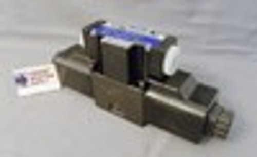 (Qty of 1) Power Valve USA HD-3C6-G02-LW-B-DC24 D03 hydraulic solenoid valve 4 way 3 position, P open to Tank with ports A & B blocked  24 VOLT DC