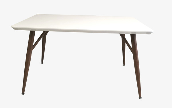 MILKY TABLE