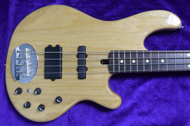Lakland Skyline 44-02, Natural Gloss with Rosewood Fingerboard