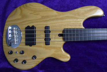 Lakland Skyline 44-02 FRETLESS, Natural with Lined Ebony Fingerboard *RARE!*