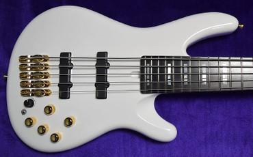 Yamaha Nathan East Signature 5-String, White Gloss with Ebony Fingerboard *On Order, ETA=July 2021