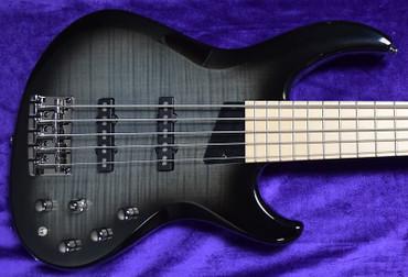 MTD Kingston Saratoga (5) Deluxe, Black Burst/ Maple