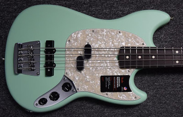 Fender American USA Performer Mustang Bass, Surf Green (Satin)/Rosewood *Short Scale!