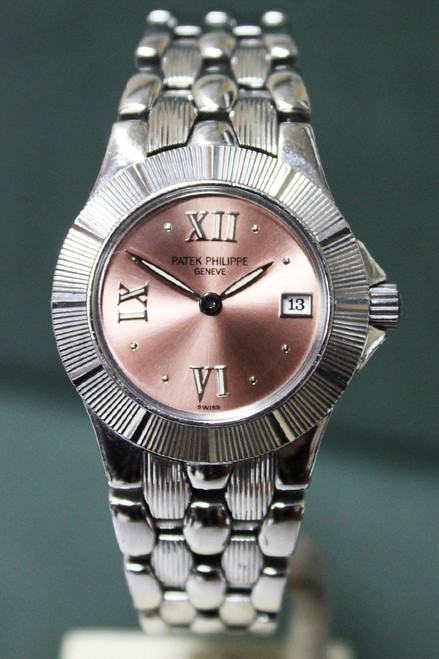 Patek Philippe - Ladies Neptune -Stainless Steel - Salmon Roman Dial - Quartz - Ref. 4880