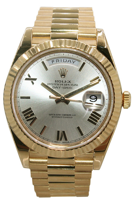 Rolex Oyster Perpetual Day-Date 40 Presidential - 40mm - 18k Yellow Gold - Silver Roman Dial - Fluted Bezel - Ref/ 228238