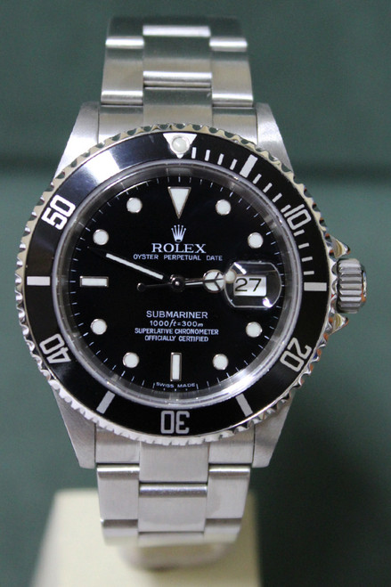 Rolex Oyster Perpetual Submariner - 40mm - Stainless Steel - Unidirectional Rotatable Bezel With Black Insert - Black Dial - Oyster Bracelet - Ref. 16610