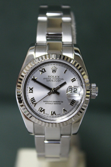 Rolex Oyster Perpetual Ladies Datejust - 26mm - Stainless Steel - Fluted Bezel - Silver Roman Dial - Oyster Bracelet - Ref. 179174