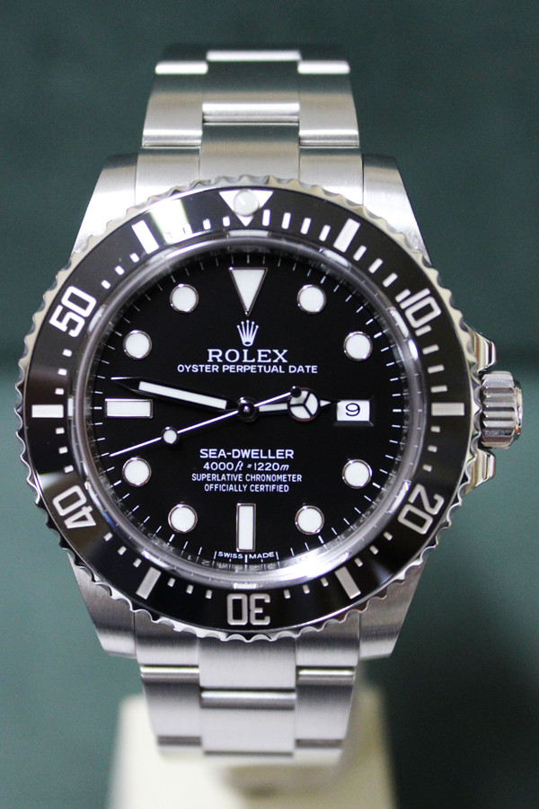 Rolex Oyster Perpetual Date Ceramic Sea-Dweller - 40mm Stainless Steel - Black Unidirectional Rotatable Bezel - Black Dial - Oyster Bracelet - Ref. 116600