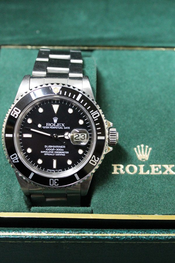 Rolex Oyster Perpetual Submariner Date - 40mm - Stainless Steel - Unidirectional Rotatable Bezel With Black Insert - Black Dial - Stainless Steel Oyster Bracelet - Ref. 16800