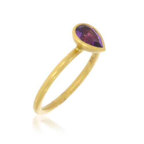 18K Yellow Gold and Pear Amethyst Yumdrop Ring